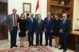 الرئيس عون يستقبل رئيس الجامعة الاميركية في بيروت